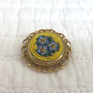 Vtg Italian Brooch Flowers & Filigree